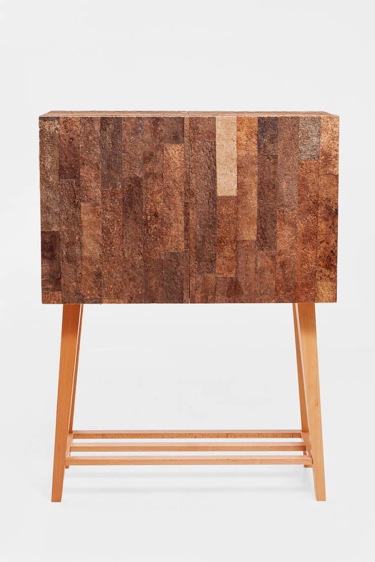Ref-Purecork-asb: Sala de estar  por Creative-cork