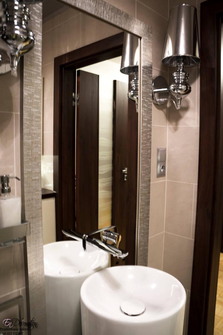 Baños de estilo moderno de EnDecoration Moderno