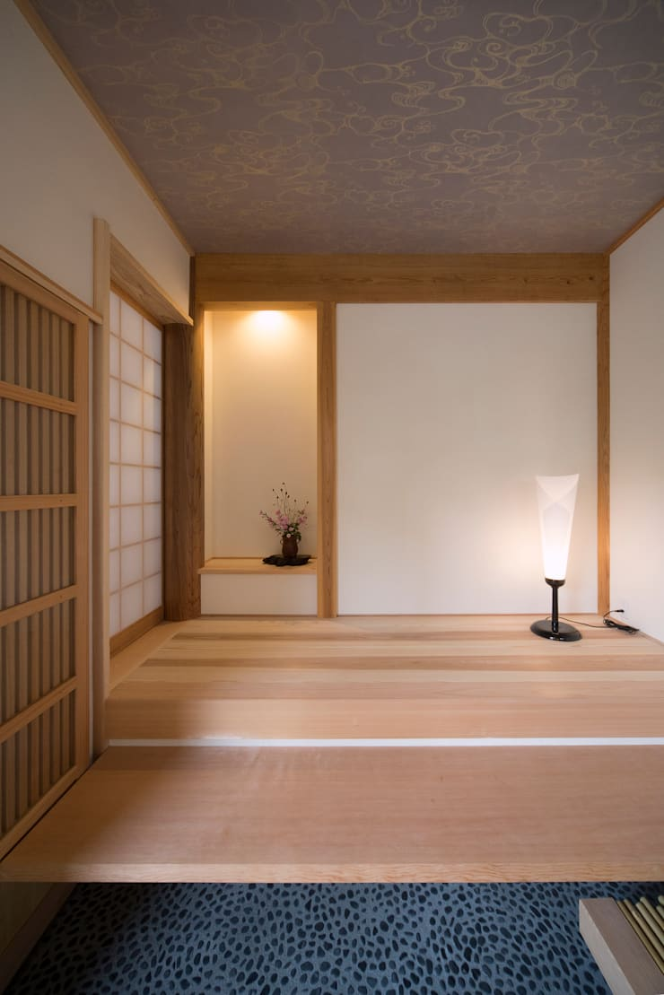 木造伝統工法のA邸: 建築設計事務所 山田屋が手掛けた壁です。