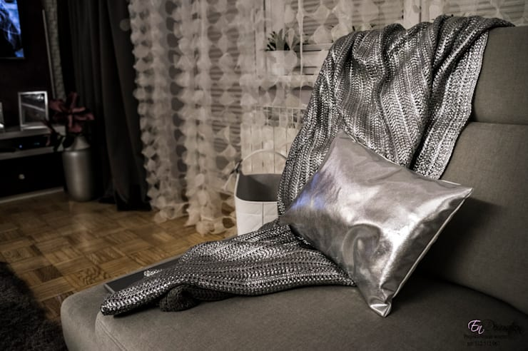 Mieszkanie w Wysokim Mazowiecku : styl , w kategorii Salon zaprojektowany przez EnDecoration