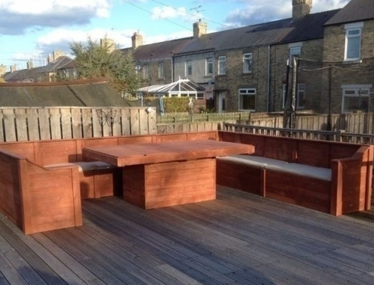 Garden corner unit and table :  Garden  by Pallet furniture uk