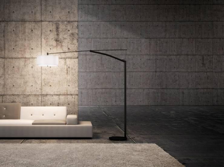 Vibia Balance lampada da terra Design Jordi Vilardell: Soggiorno in stile  di Lampcommerce