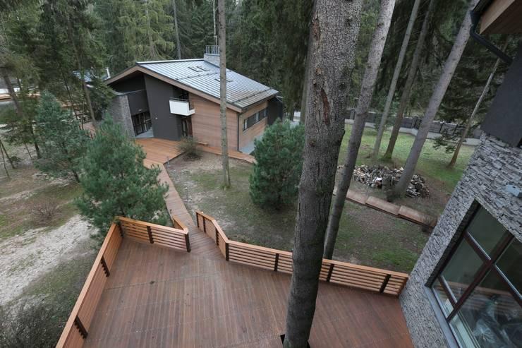 Вид на гостевой дом: Дома в . Автор – ORT-interiors, Минимализм