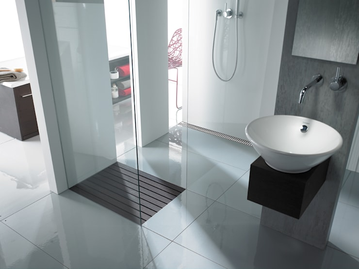ACO ShowerDrain douchegoot & Walk-in: moderne Badkamer door ACO  BV