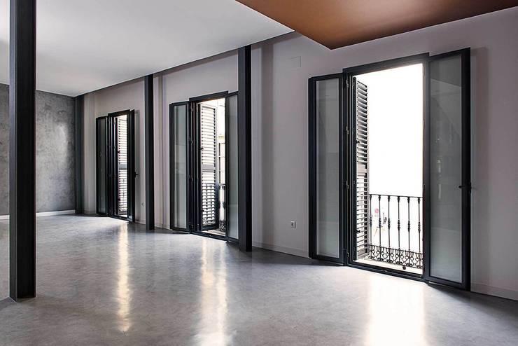 Salas de estar modernas por Ardes Arquitectos