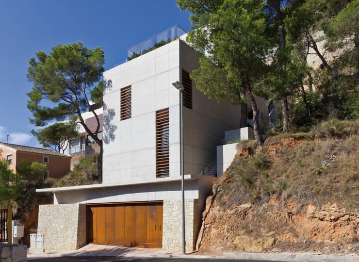 Vivienda <q>Mirando al mar soñé</q>: Casas de estilo  de Ascoz Arquitectura, Moderno