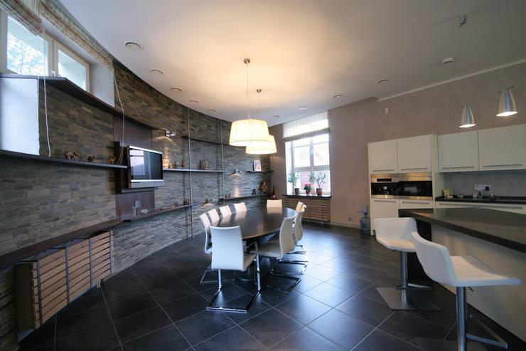 Кухня-столовая: Кухни в . Автор – ORT-interiors