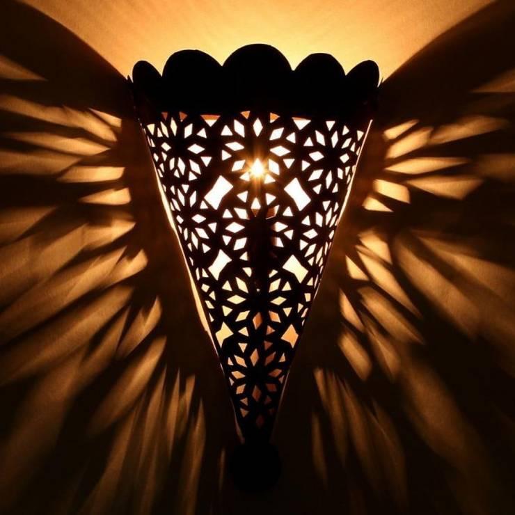 Orientalna żelazna lampa ścienna EWL11: styl , w kategorii Miejsca na imprezy zaprojektowany przez DomRustykalny.pl,Rustykalny