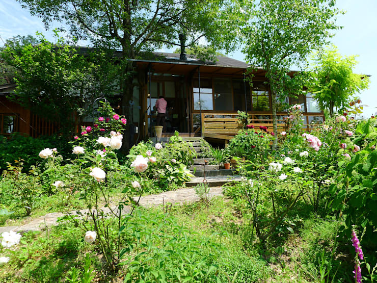 La  Province: 風建築工房が手掛けた庭です。,