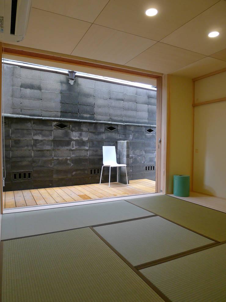 Scandinavian style bedroom by 風建築工房 Scandinavian