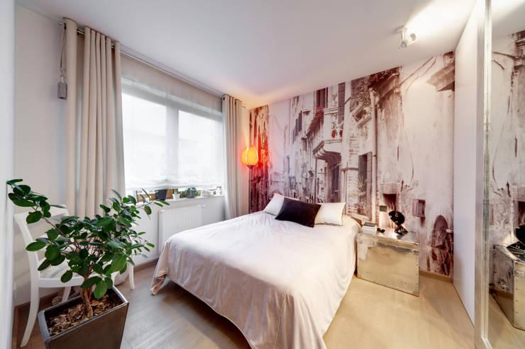 Mieszkanie singla: styl , w kategorii Sypialnia zaprojektowany przez Architektura Wnętrz Daria Zaremba,Nowoczesny