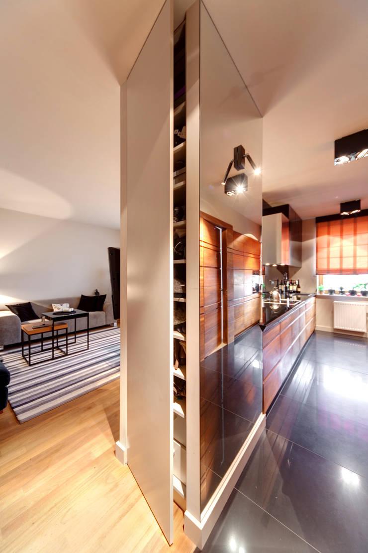 Mieszkanie singla: styl , w kategorii Salon zaprojektowany przez Architektura Wnętrz Daria Zaremba,Nowoczesny