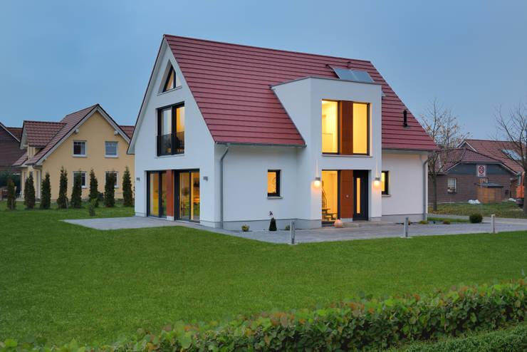 Дома в . Автор – Heinz von Heiden GmbH Massivhäuser
