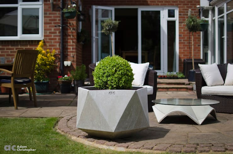 Femkant Planter In Warm Grey Concrete:  Garden  by Adam Christopher Design