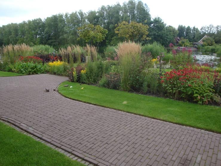 Tuinen:  Tuin door Degroenewand.nl, Modern