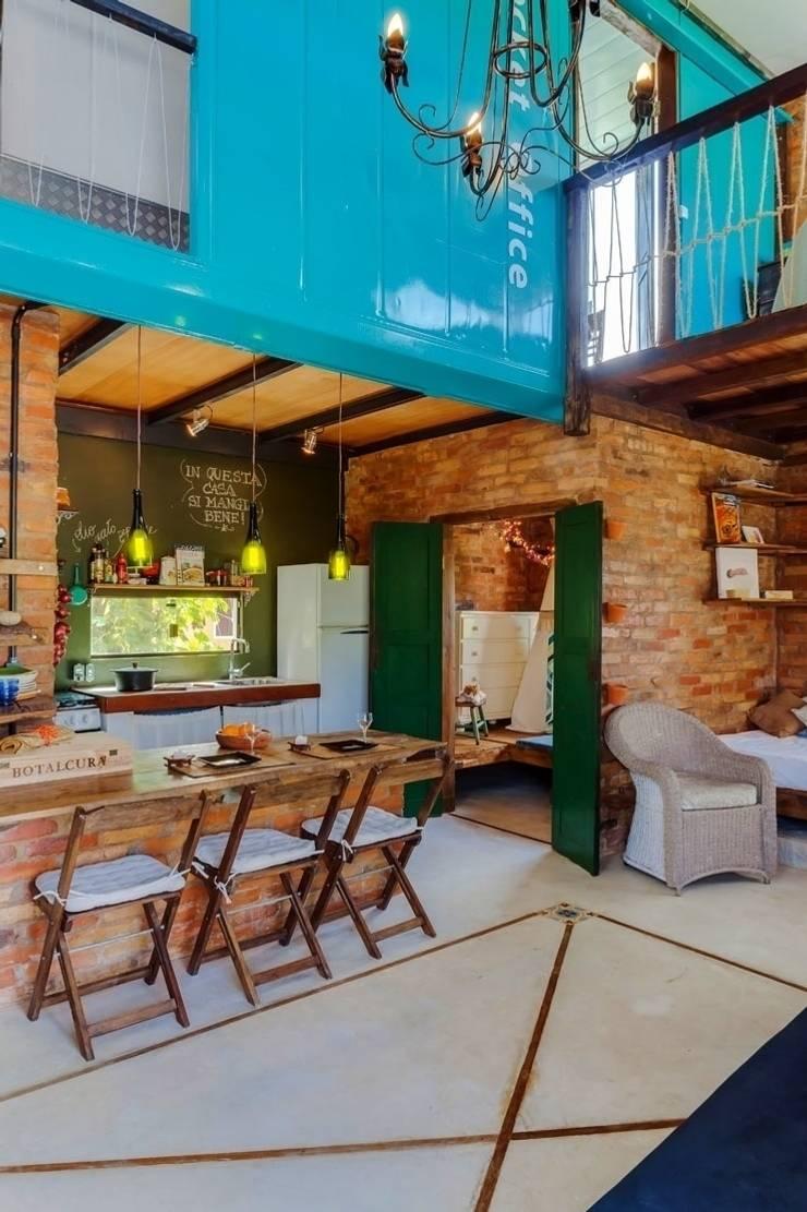 Dining room by Ferraro Habitat