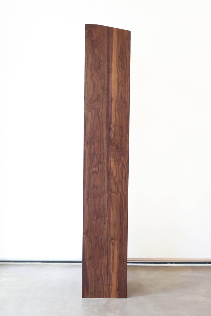 Shelf: Moon studio의  서재/사무실,
