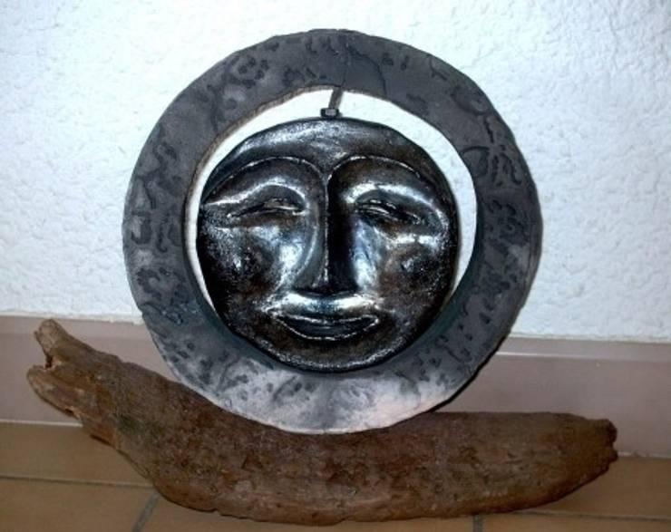 lune: Art de style  par Le monde imaginaire du Raku