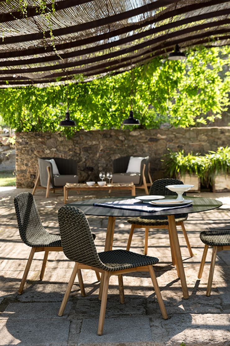 ROUND by Francesc Rifé:  de estilo  de POINT, Mediterráneo