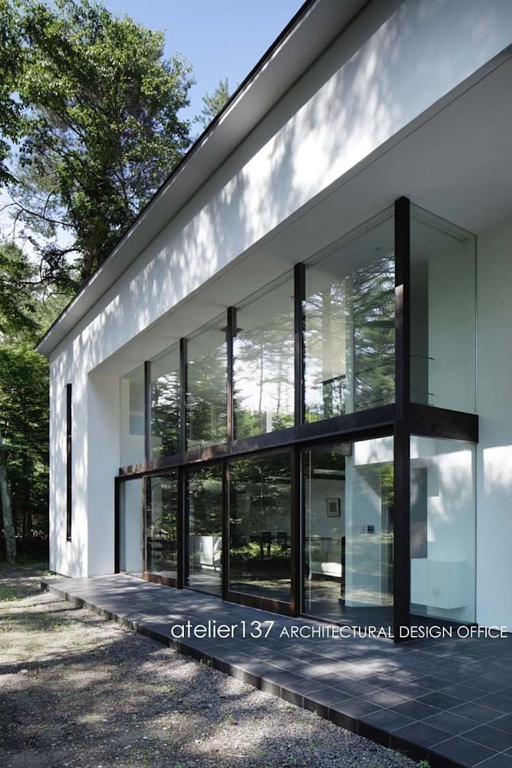 外観~023軽井沢Iさんの家: atelier137 ARCHITECTURAL DESIGN OFFICEが手掛けた家です。