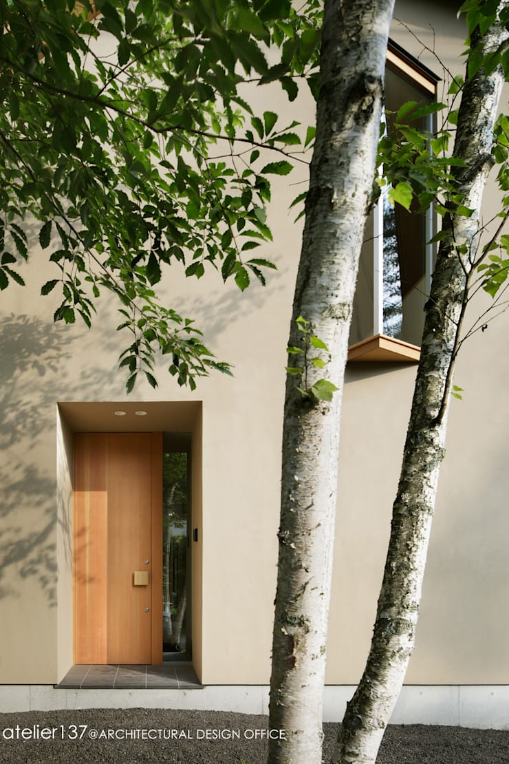 031軽井沢Tさんの家: atelier137 ARCHITECTURAL DESIGN OFFICEが手掛けた窓です。