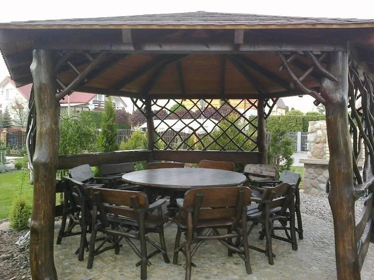 Komplet dębowy okrągły: styl , w kategorii Ogród zaprojektowany przez Drewnopol