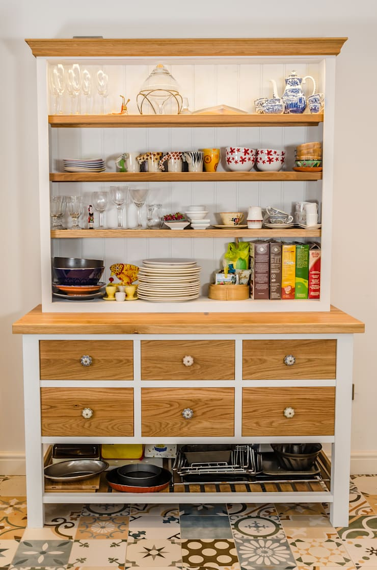 Painted kitchen:  Kitchen by Clachan Wood,