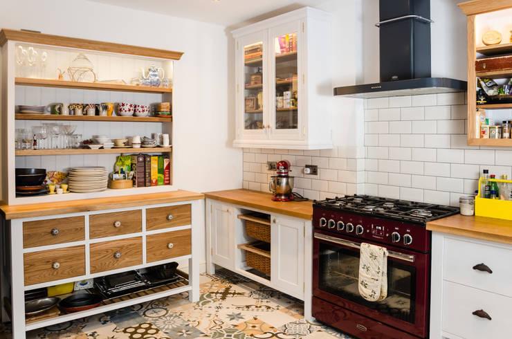 Cocina de estilo  por Clachan Wood
