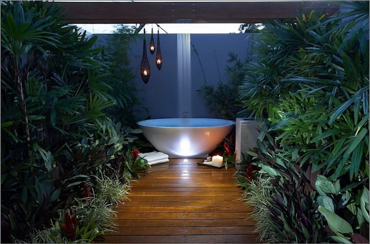 Spa de estilo tropical de Design by Torsten Müller