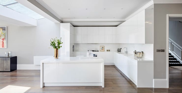 London Art de Vivre: modern Kitchen by Sophie Nguyen Architects Ltd