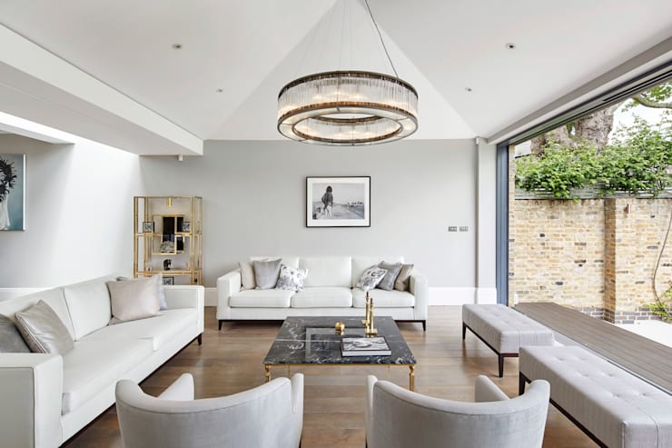 London Art de Vivre:  Living room by Sophie Nguyen Architects Ltd