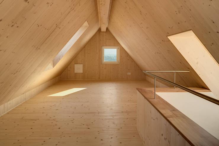 Гостиная в . Автор – Schwarz & Schwarz dipl. Architekten SIA
