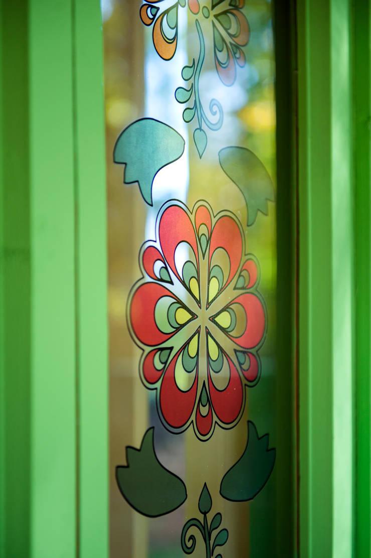 Витражная печать на стекле: Дома в . Автор – Дизайн-студия Екатерины Поповой,