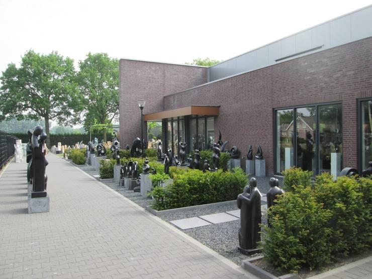 Overzichtsfoto's Decoratietuin Someren: modern  door HO-Jeuken, Modern