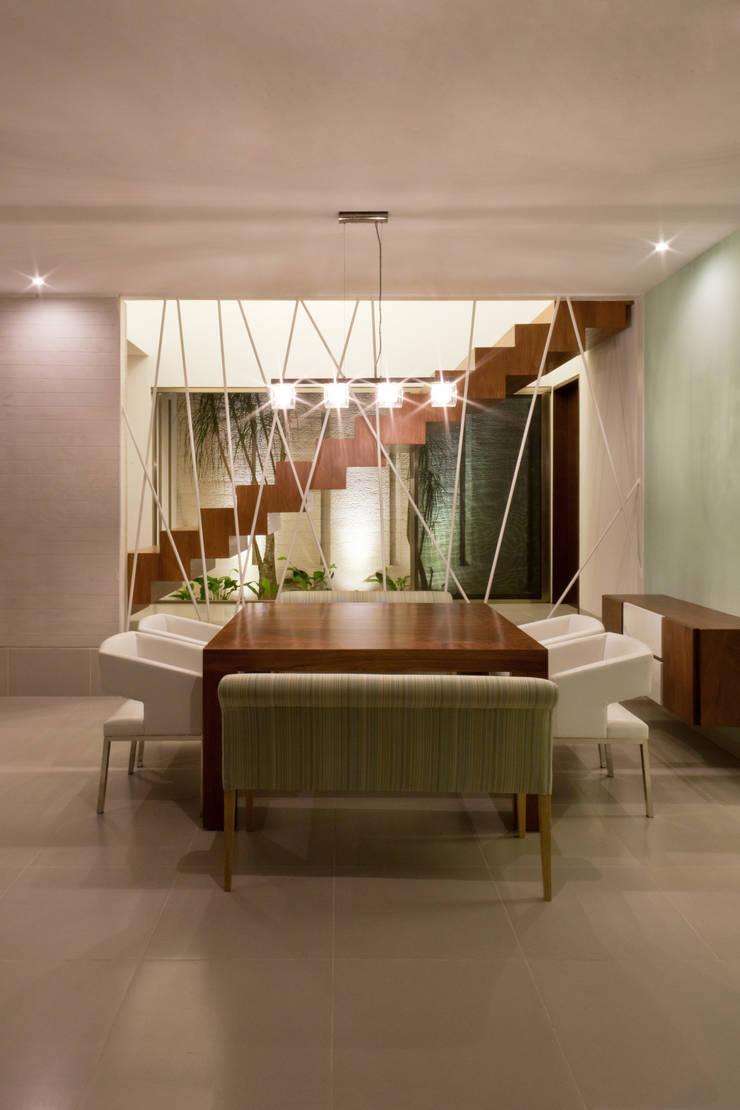 Casa Jabin.: Comedores de estilo  por TAFF