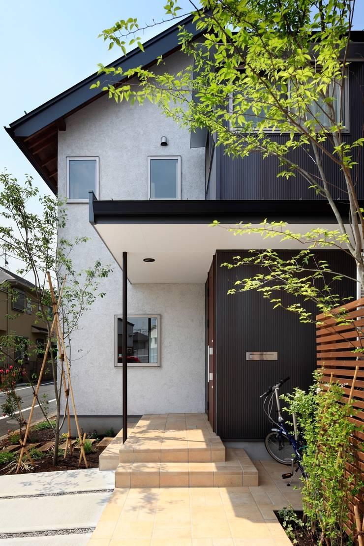 上野毛の家: TAMAI ATELIERが手掛けた家です。,モダン
