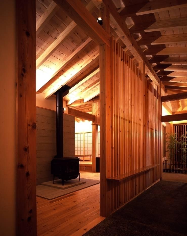 那須高原の家: TAMAI ATELIERが手掛けた和室です。