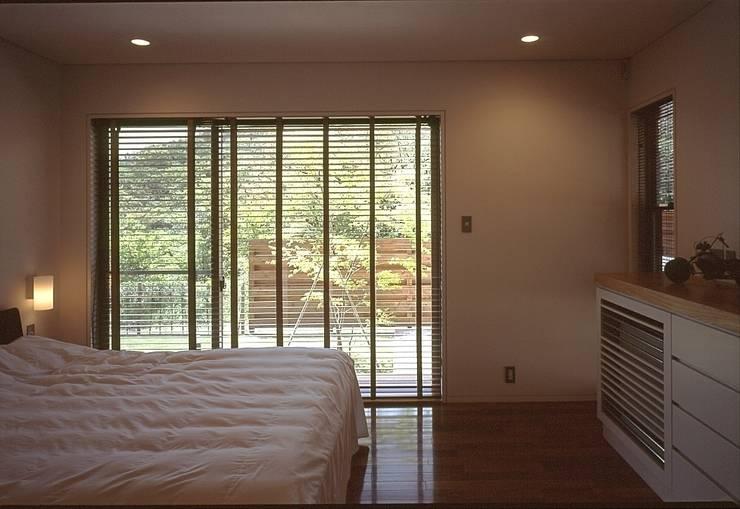 Bedroom by TAMAI ATELIER, Modern