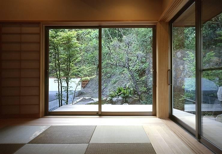 Bedroom by TAMAI ATELIER, Classic