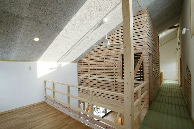 新潟の家 多目的室: 腰越耕太建築設計事務所が手掛けた和室です。