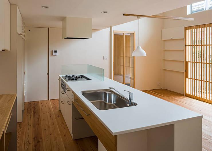上高野の家: 河合建築デザイン事務所が手掛けたキッチンです。