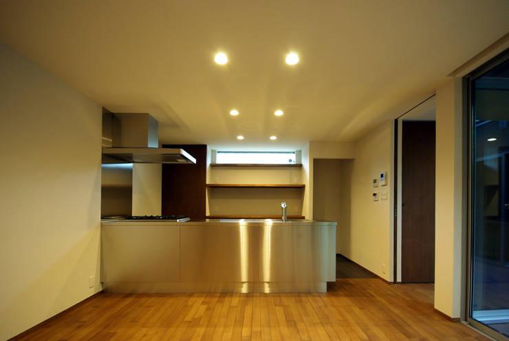 木町の家: アトリエ イデ 一級建築士事務所が手掛けたキッチンです。
