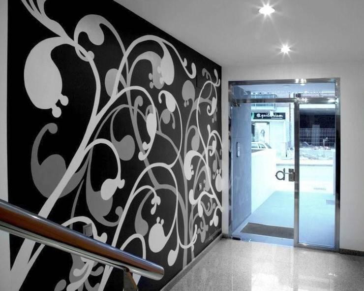 Vestíbulo de oficina: Oficinas y Tiendas de estilo  de Murales Divinos, Moderno