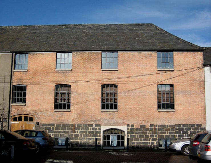 The Wine Warehouse, Chepstow: industrial Houses by Hall + Bednarczyk Architects