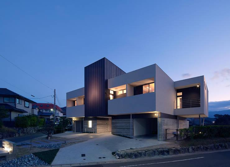 Espacios comerciales de estilo  por ISDアーキテクト/一級建築士事務所, Moderno
