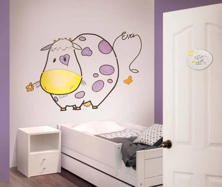 Vaquita lila Dormitorios infantiles de estilo moderno de Murales Divinos Moderno