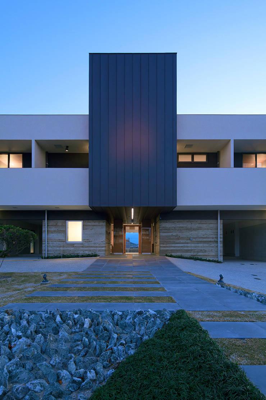 Clínicas de estilo  por ISDアーキテクト/一級建築士事務所, Moderno