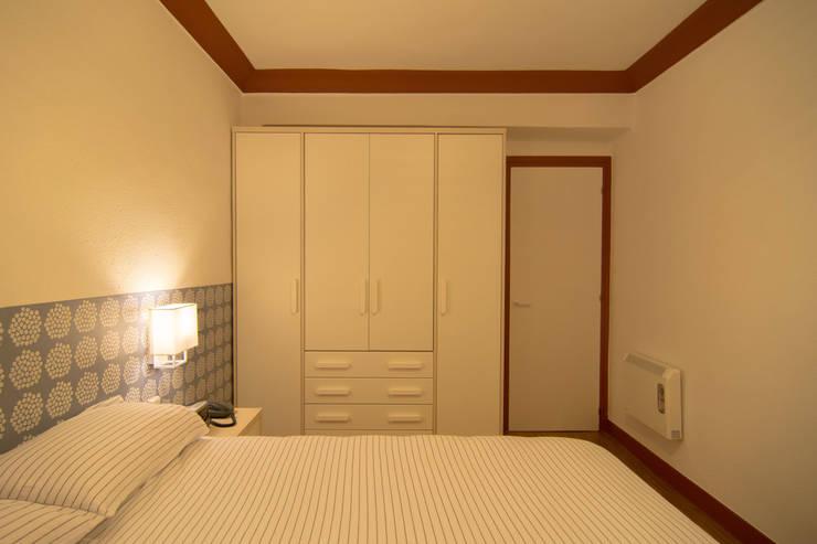 Dormitorio - Reforma integral en Donostia / San Sebastián (Gipuzkoa): Dormitorios de estilo  de Apal Estudio