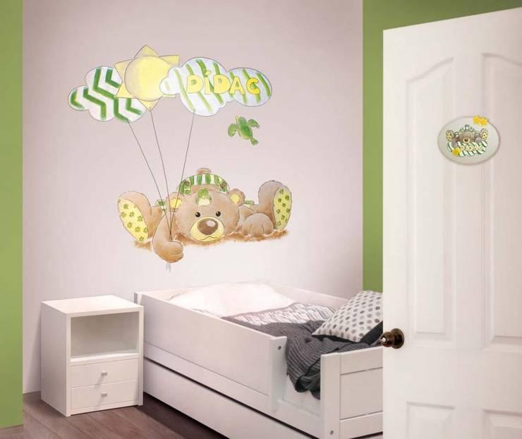 Osito con globos Dormitorios infantiles de estilo moderno de Murales Divinos Moderno