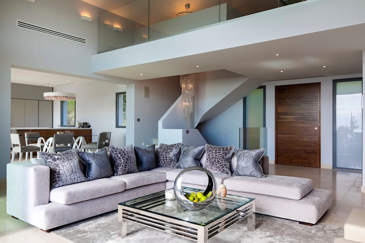 Villa South of France Interior Living Space: modern Living room by Urban Cape Interiors